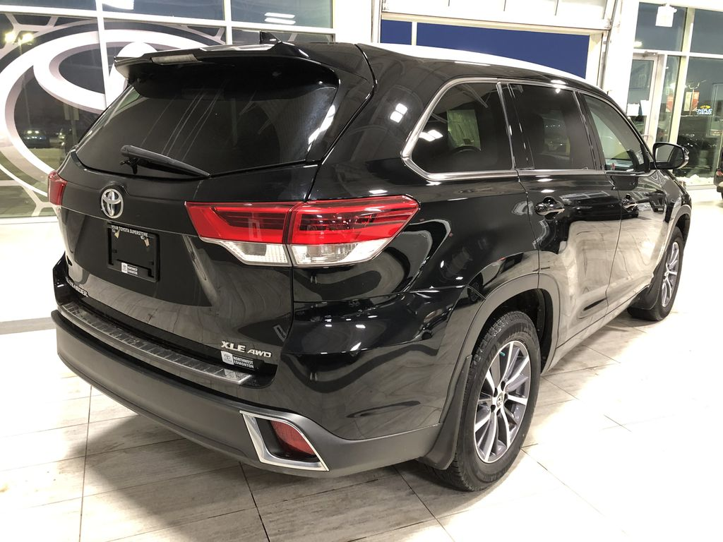 Black 2018 Toyota Highlander XLE | Extended Warranty Included Rear of Vehicle Photo in Edmonton AB