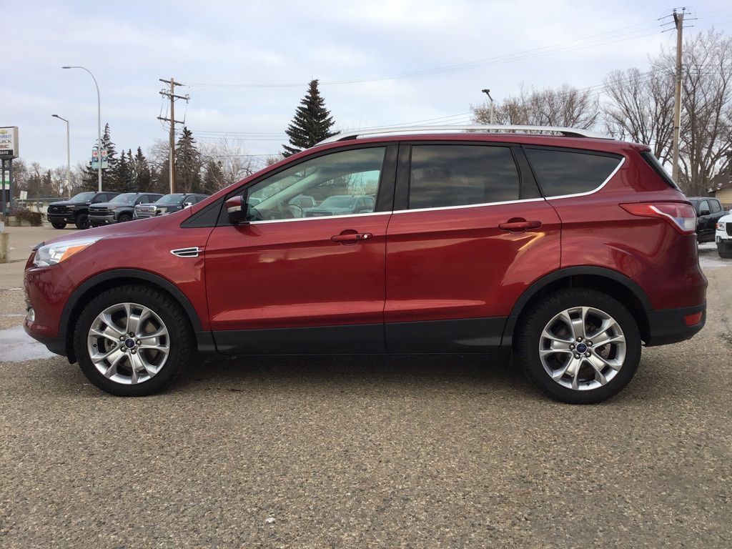 Red 2014 Ford Escape Left Front Corner Photo in Brooks AB