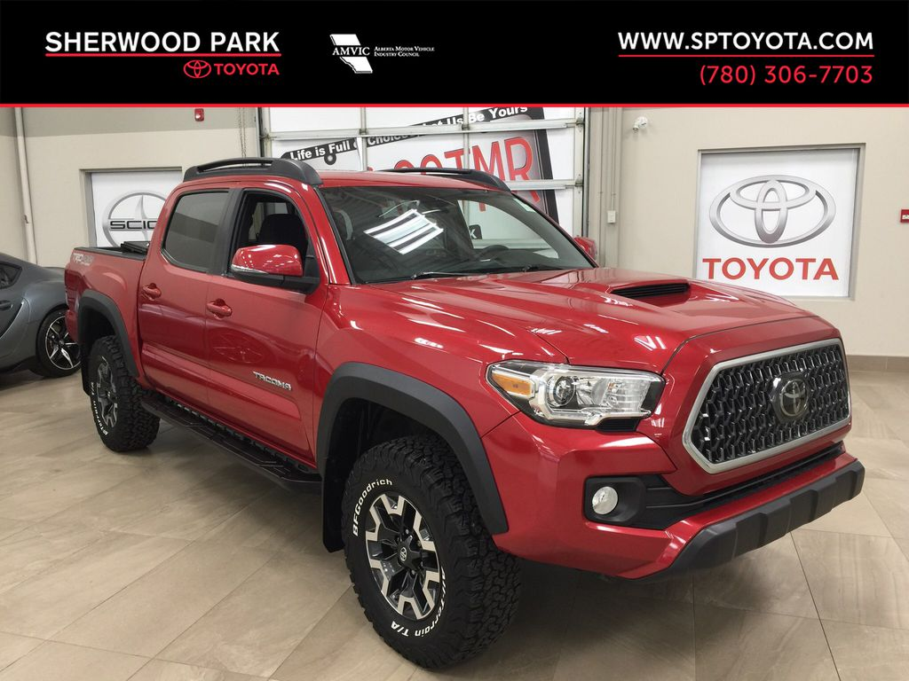 Red[Barcelona Red Metallic] 2018 Toyota Tacoma TRD Off-Road