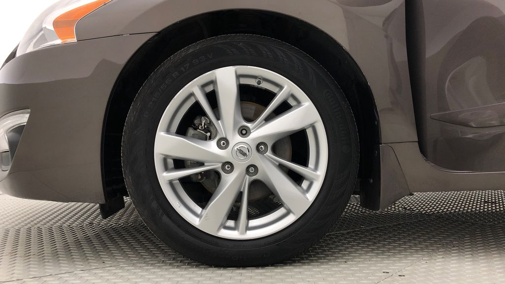 Brown[Java Metallic] 2014 Nissan Altima SV - Sunroof, Automatic, Alloy Wheels, LOW KMs Left Front Rim and Tire Photo in Winnipeg MB