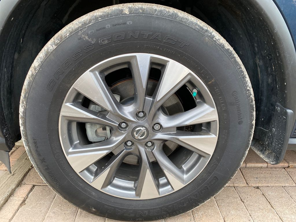Blue[Arctic Blue Metallic] 2015 Nissan Murano Left Front Rim and Tire Photo in Lethbridge AB