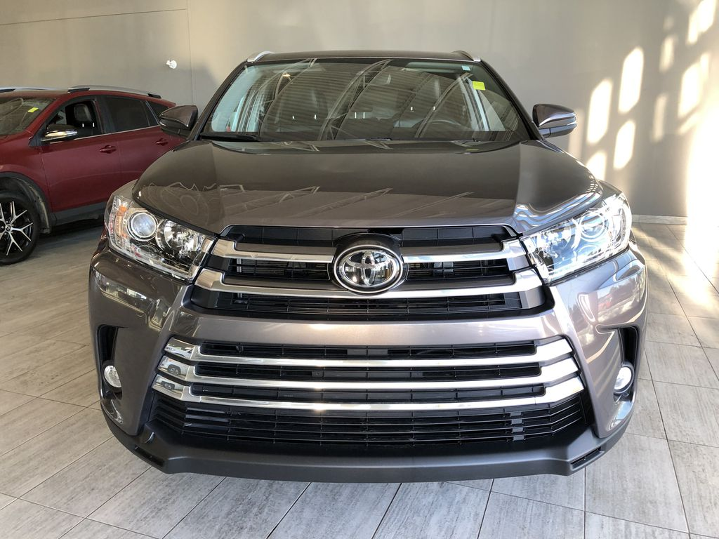 Grey 2019 Toyota Highlander XLE   Extended Warranty Included Odometer Photo in Edmonton AB