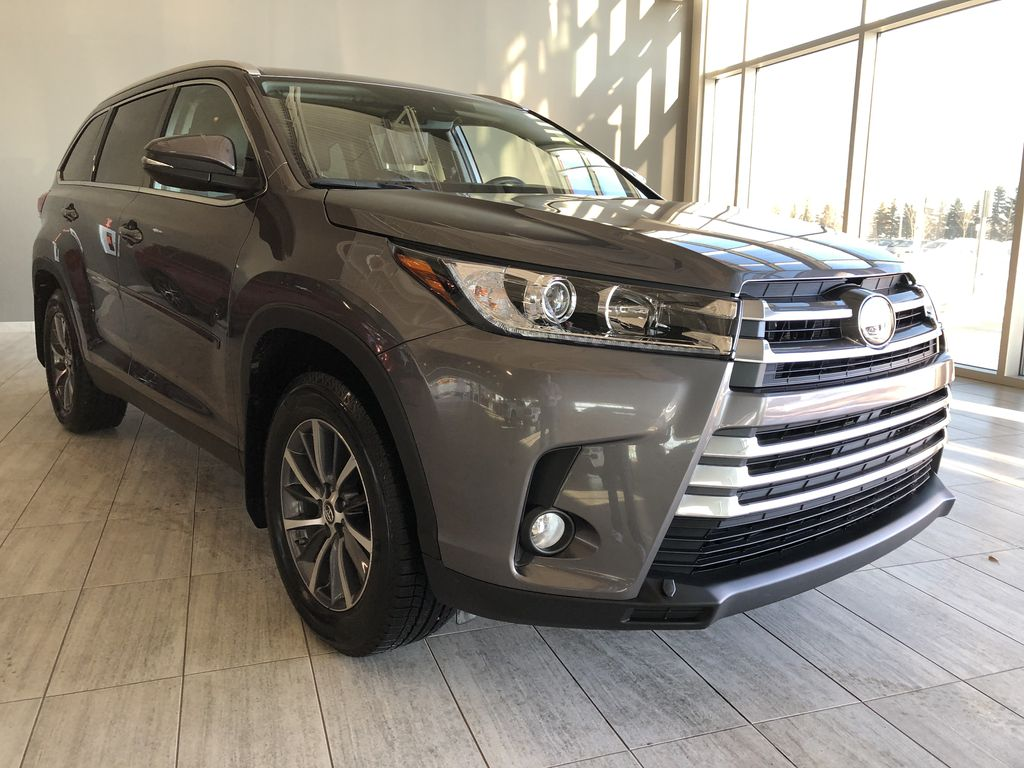 Grey 2019 Toyota Highlander XLE   Extended Warranty Included Left Front Interior Photo in Edmonton AB