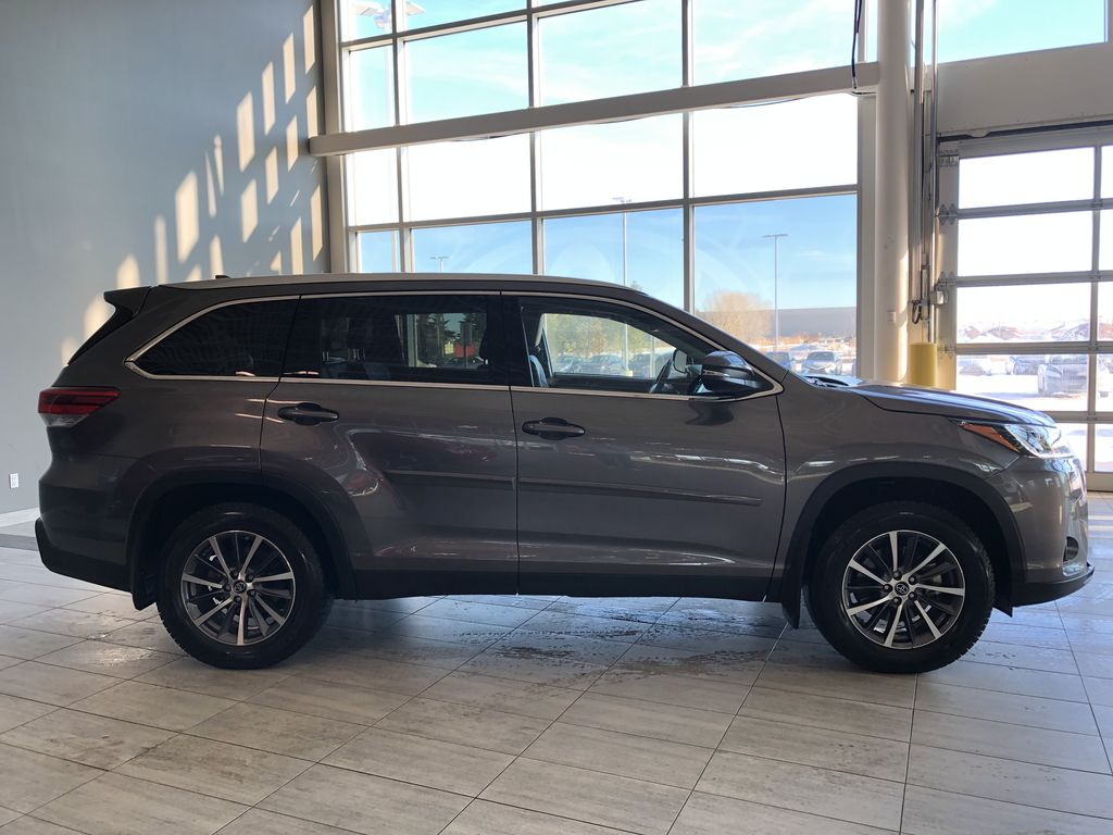 Grey 2019 Toyota Highlander XLE   Extended Warranty Included Rear of Vehicle Photo in Edmonton AB