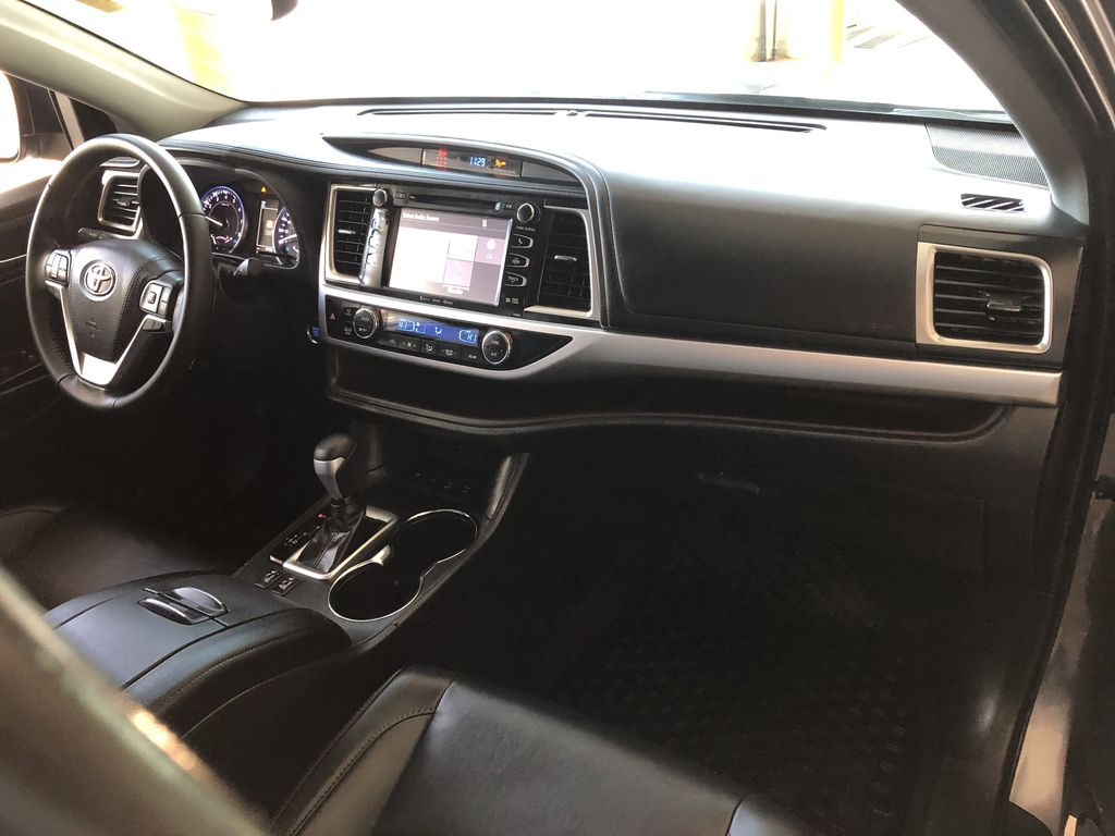 Grey 2019 Toyota Highlander XLE   Extended Warranty Included Audio/Video Photo in Edmonton AB