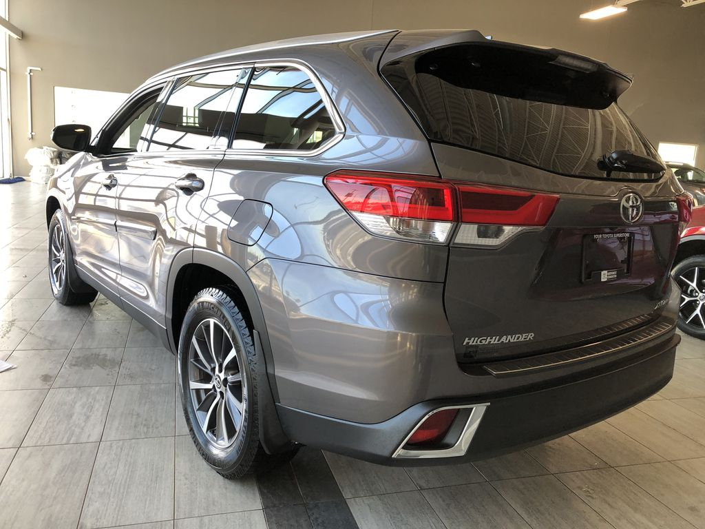 Grey 2019 Toyota Highlander XLE   Extended Warranty Included Left Side Photo in Edmonton AB