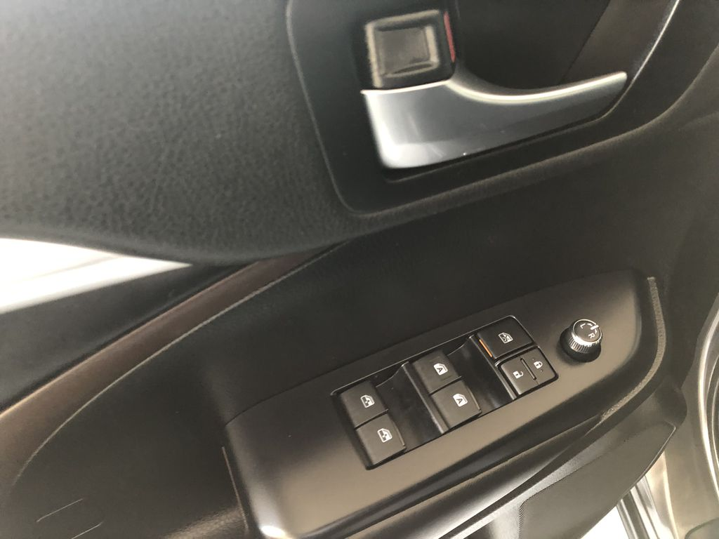Grey 2019 Toyota Highlander XLE   Extended Warranty Included Third Row Seat or Additional  Photo in Edmonton AB