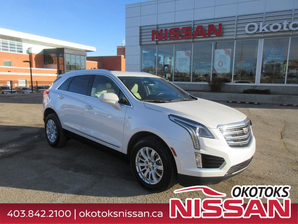White[Crystal White Tricoat] 2018 Cadillac XT5