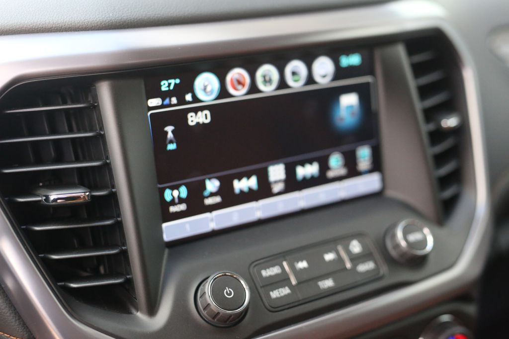 Pewter 2019 GMC Acadia Central Dash Options Photo in Barrhead AB