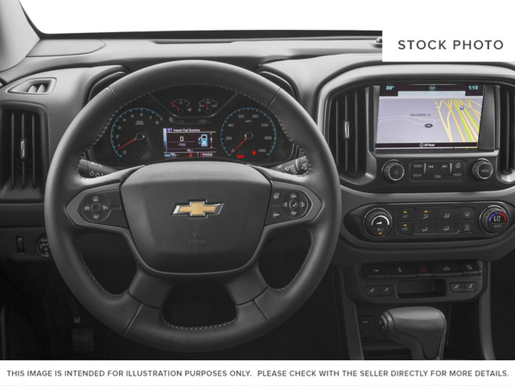 Gray[Cyber Grey Metallic] 2017 Chevrolet Colorado Steering Wheel and Dash Photo in Fort Macleod AB