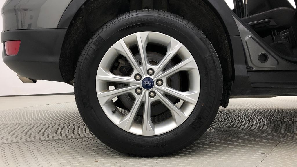 Gray[Magnetic] 2017 Ford Escape SE 4WD - Backup Camera, Power Liftgate, Bluetooth Right Rear Rim and Tire Photo in Winnipeg MB