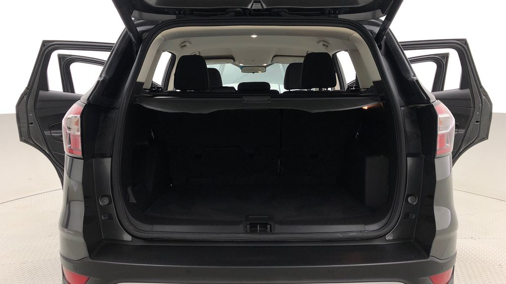 Gray[Magnetic] 2017 Ford Escape SE 4WD - Backup Camera, Power Liftgate, Bluetooth Trunk / Cargo Area Photo in Winnipeg MB