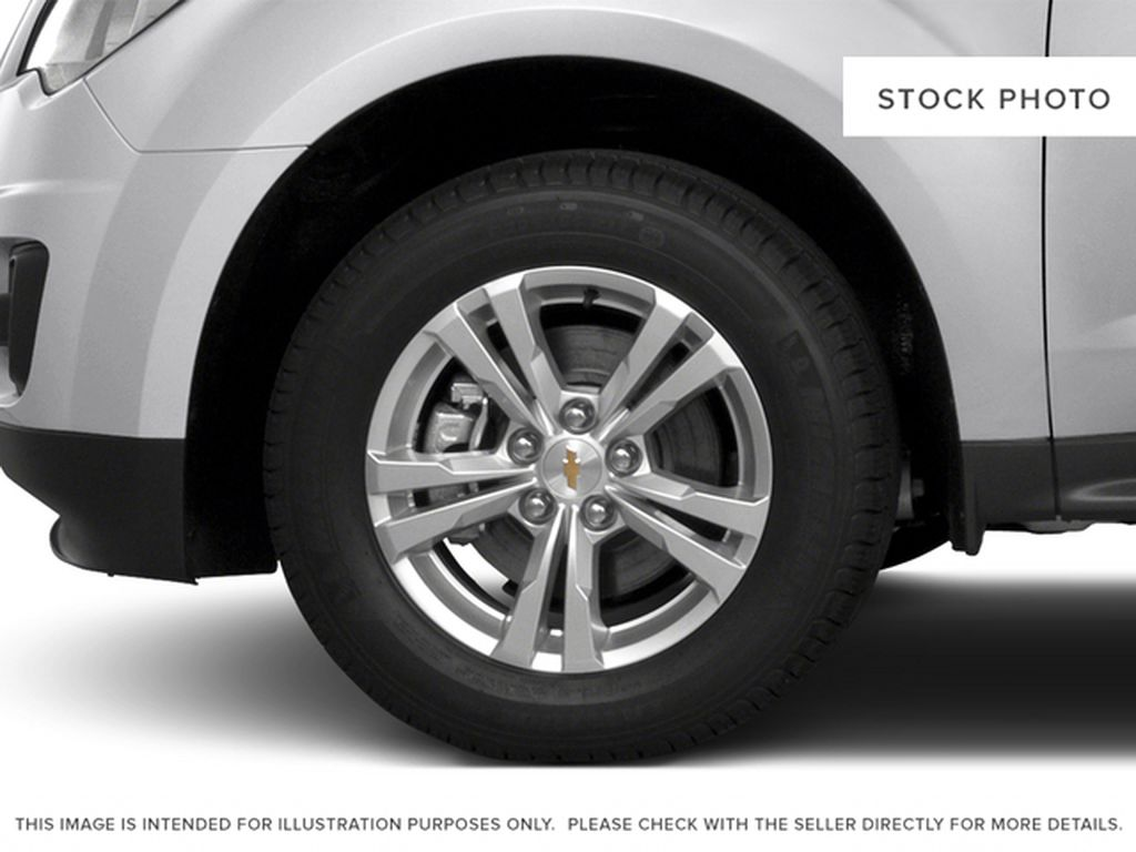 2015 Chevrolet Equinox Left Front Rim and Tire Photo in Barrhead AB