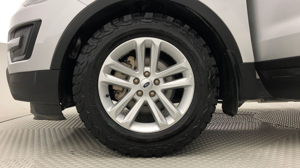 Silver[Ingot Silver Metallic] 2017 Ford Explorer Base 4WD - Backup Camera, Bluetooth, Power Seat Left Front Rim and Tire Photo in Winnipeg MB