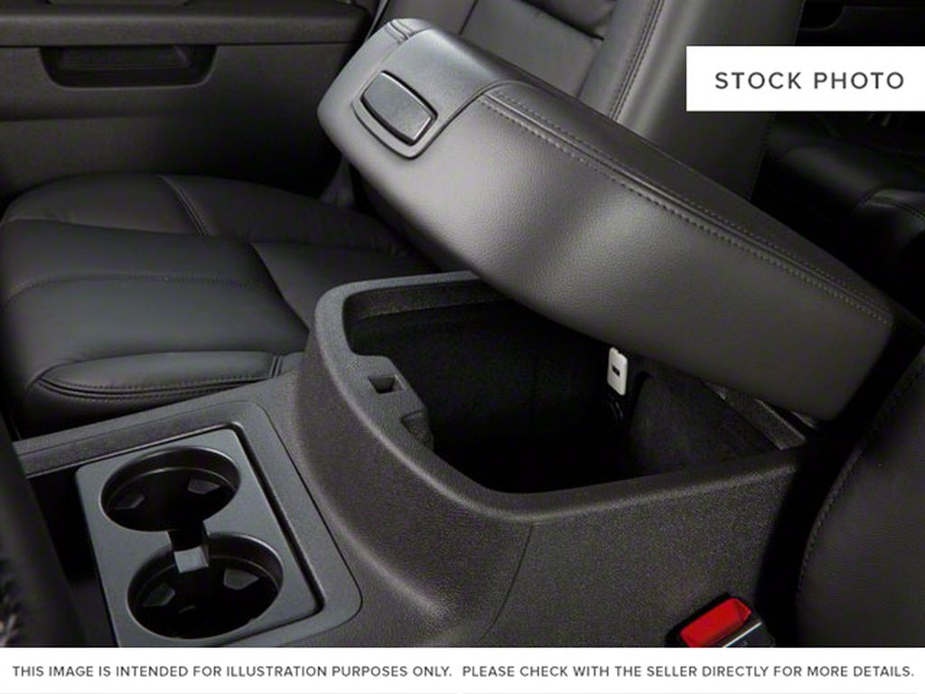 2013 GMC Yukon Center Console Photo in Medicine Hat AB