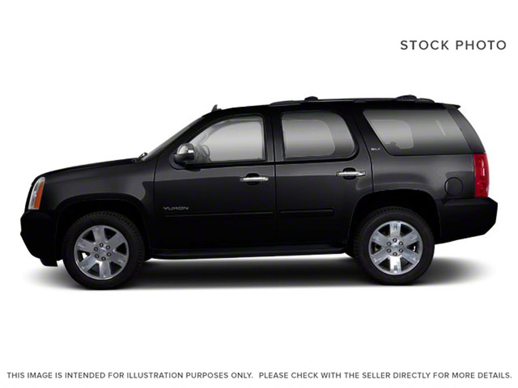 2013 GMC Yukon Left Side Photo in Medicine Hat AB