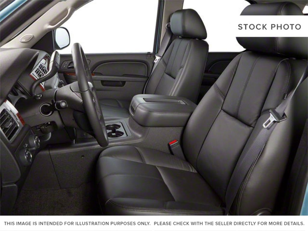 2013 GMC Yukon Left Front Interior Photo in Medicine Hat AB