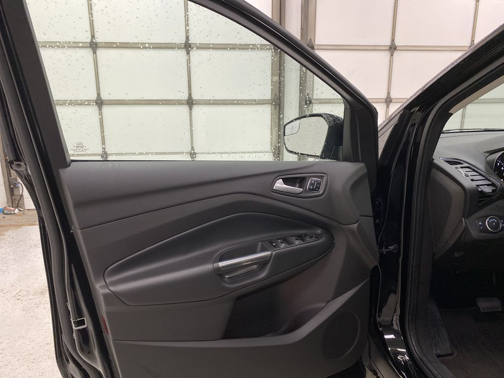 2019 Ford Escape Left Front Interior Door Panel Photo in Dartmouth NS