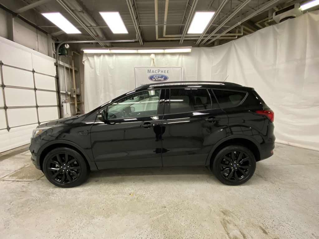 2019 Ford Escape Left Side Photo in Dartmouth NS