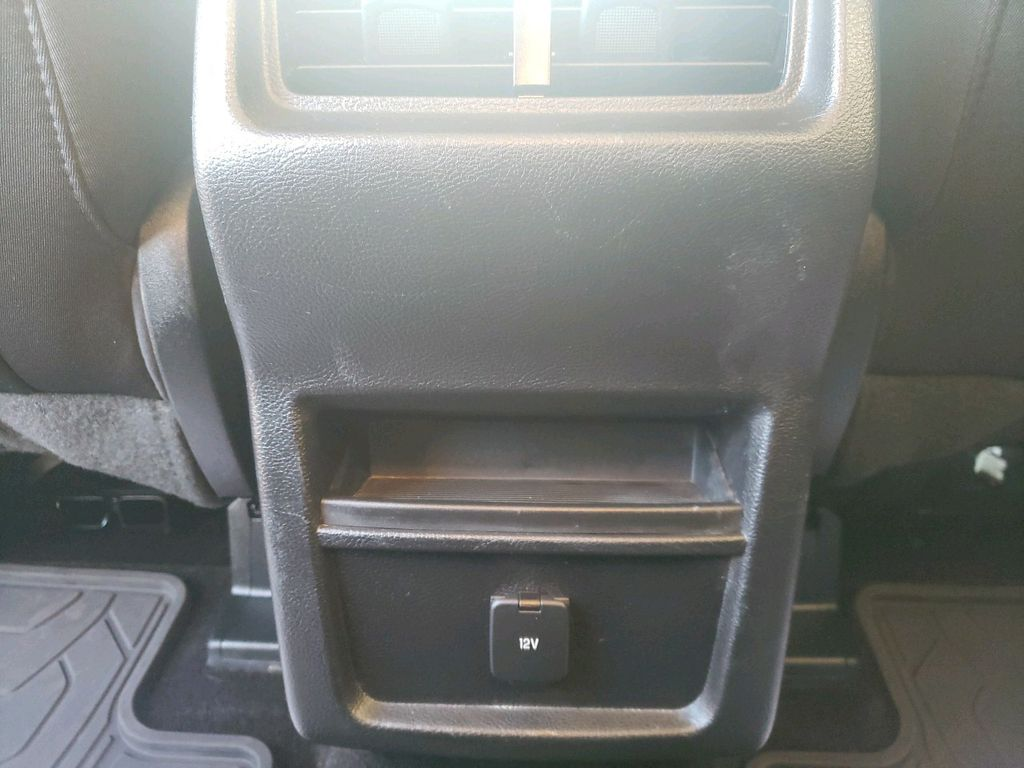 2016 Ford Edge Left Side Rear Seat  Photo in Westlock AB