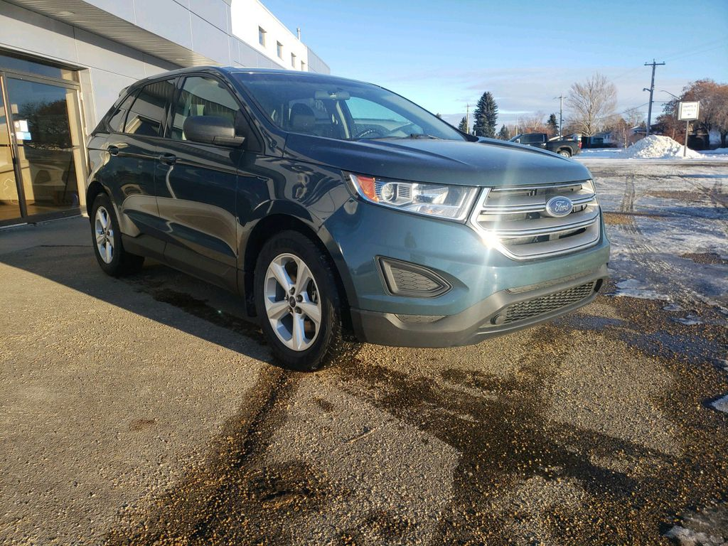 2016 Ford Edge Left Front Rim and Tire Photo in Westlock AB