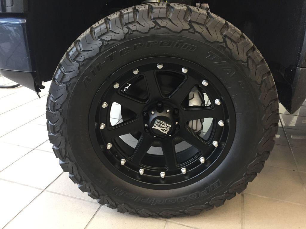 PACIFIC BLUE 2021 GMC Sierra 1500 Left Front Rim and Tire Photo in Oshawa ON