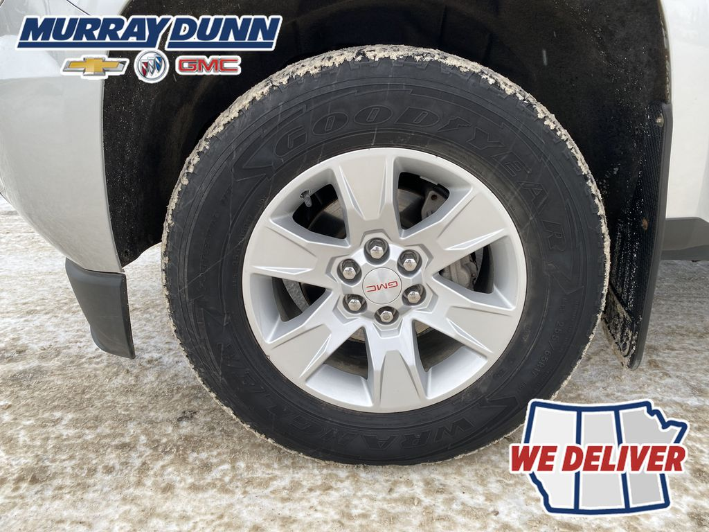 Silver[Quicksilver Metallic] 2015 GMC Canyon SLE Left Front Rim and Tire Photo in Nipawin SK