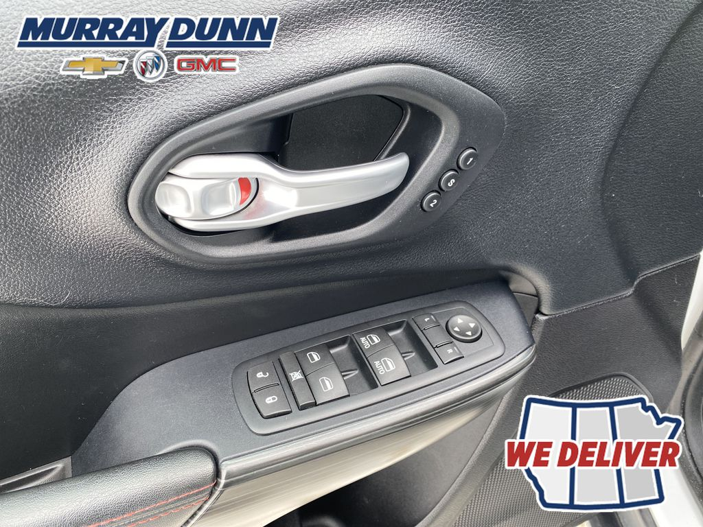 White[Bright White] 2016 Jeep Cherokee  Driver's Side Door Controls Photo in Nipawin SK