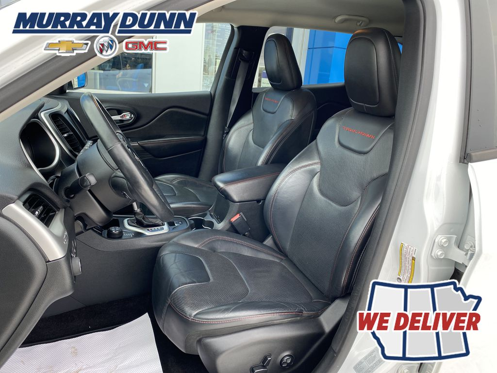 White[Bright White] 2016 Jeep Cherokee Driver's Seat Back Photo in Nipawin SK