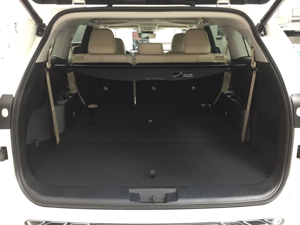 White[Blizzard Pearl] 2020 Toyota Highlander XLE AWD Cargo Area/Rear Seats Photo in Sherwood Park AB
