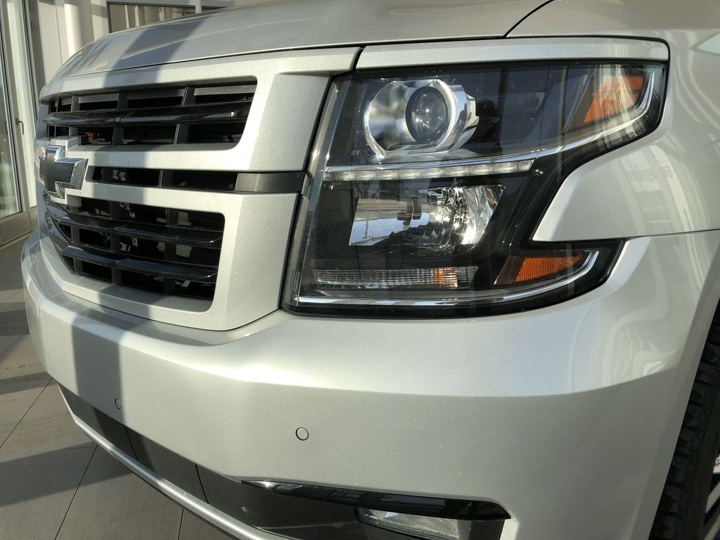 Silver[Silver Ice Metallic] 2019 Chevrolet Tahoe Left Front Head Light / Bumper and Grill in Edmonton AB