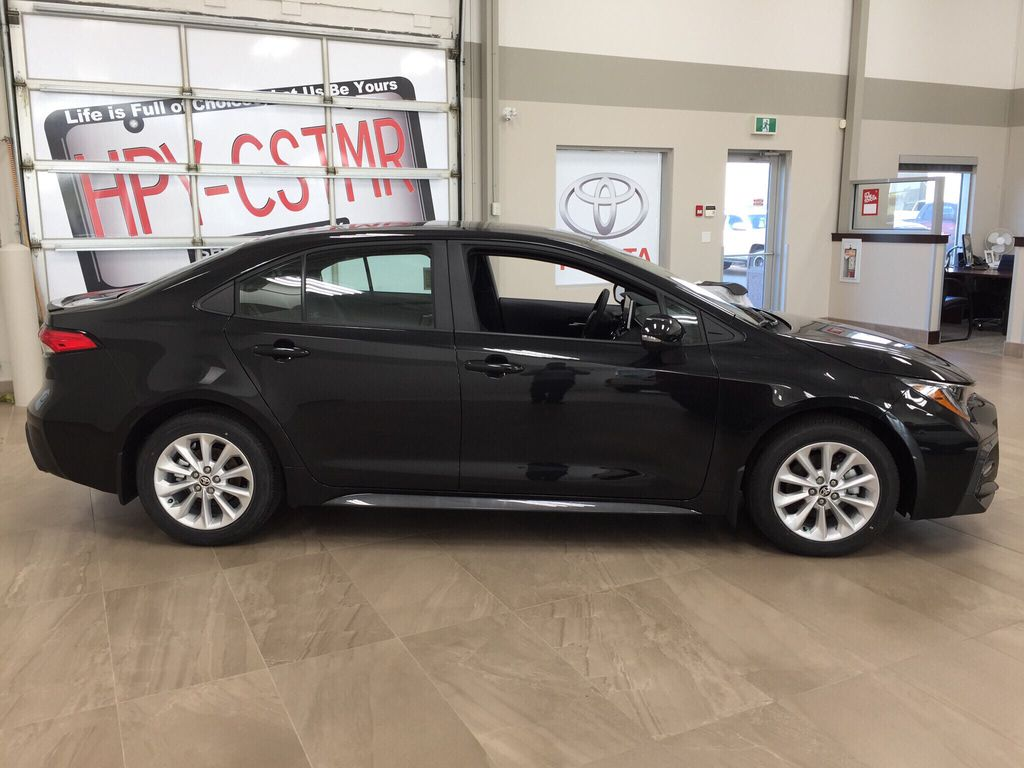 Black[Black Sand Pearl] 2021 Toyota Corolla SE Right Side Photo in Sherwood Park AB