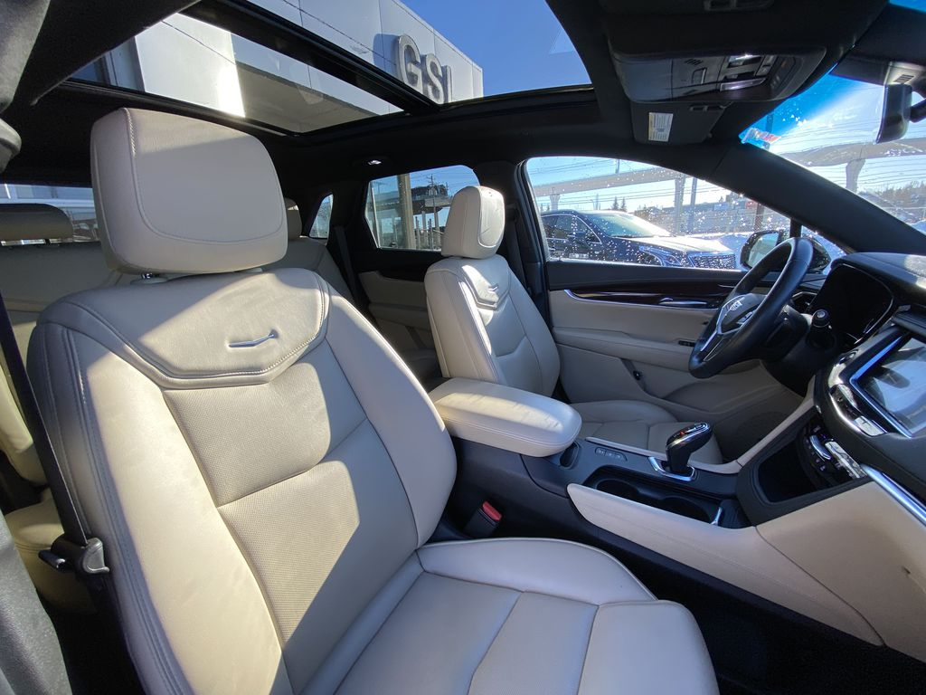 Black[Stellar Black Metallic] 2017 Cadillac XT5 Luxury Right Side Front Seat  Photo in Calgary AB