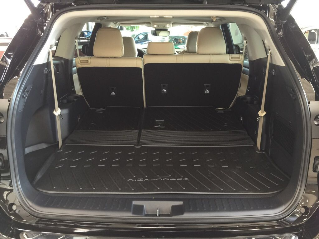 Brown[Opulent Amber] 2021 Toyota Highlander XLE Cargo Area/Rear Seats Photo in Sherwood Park AB
