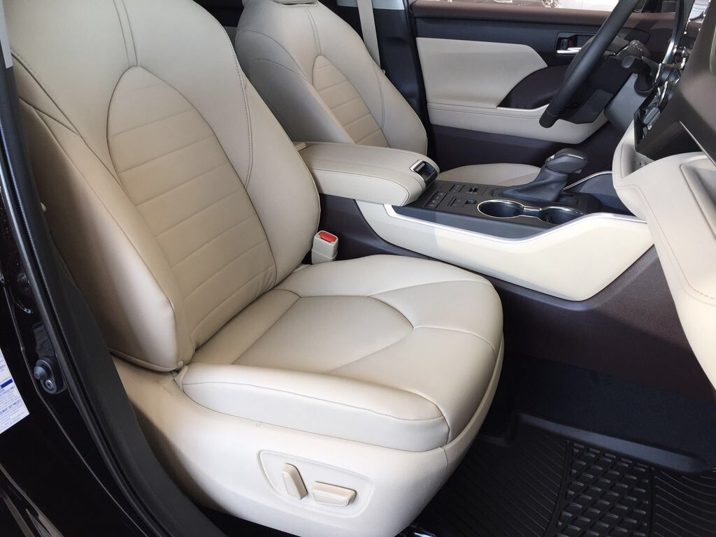 Brown[Opulent Amber] 2021 Toyota Highlander XLE Right Side Front Seat  Photo in Sherwood Park AB