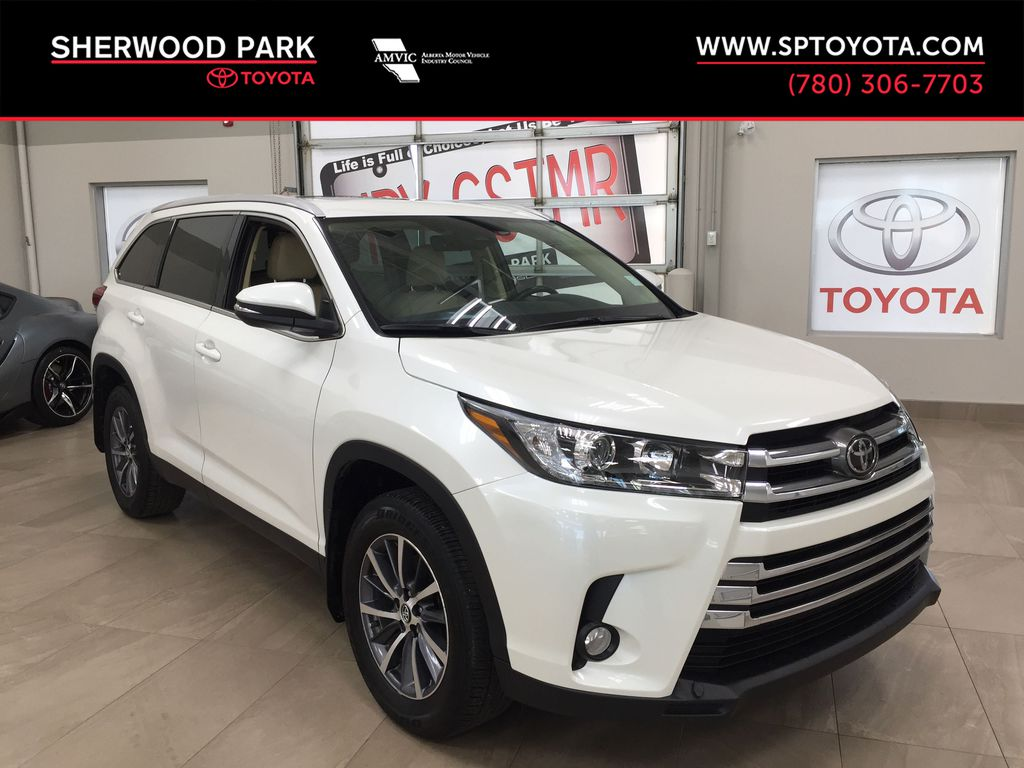 White[Blizzard Pearl] 2019 Toyota Highlander XLE AWD