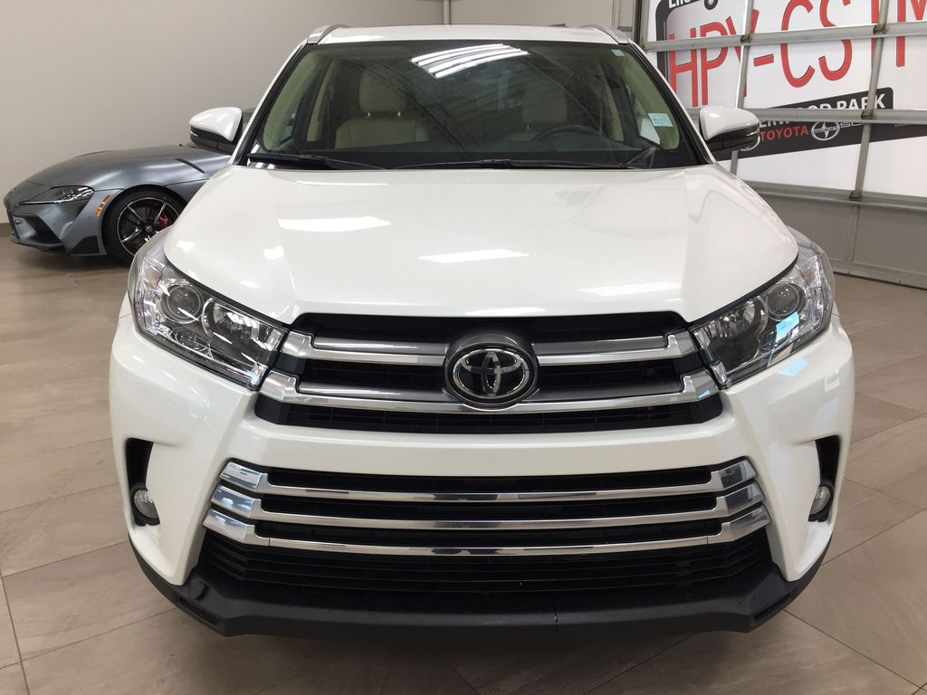 White[Blizzard Pearl] 2019 Toyota Highlander XLE AWD Front Vehicle Photo in Sherwood Park AB