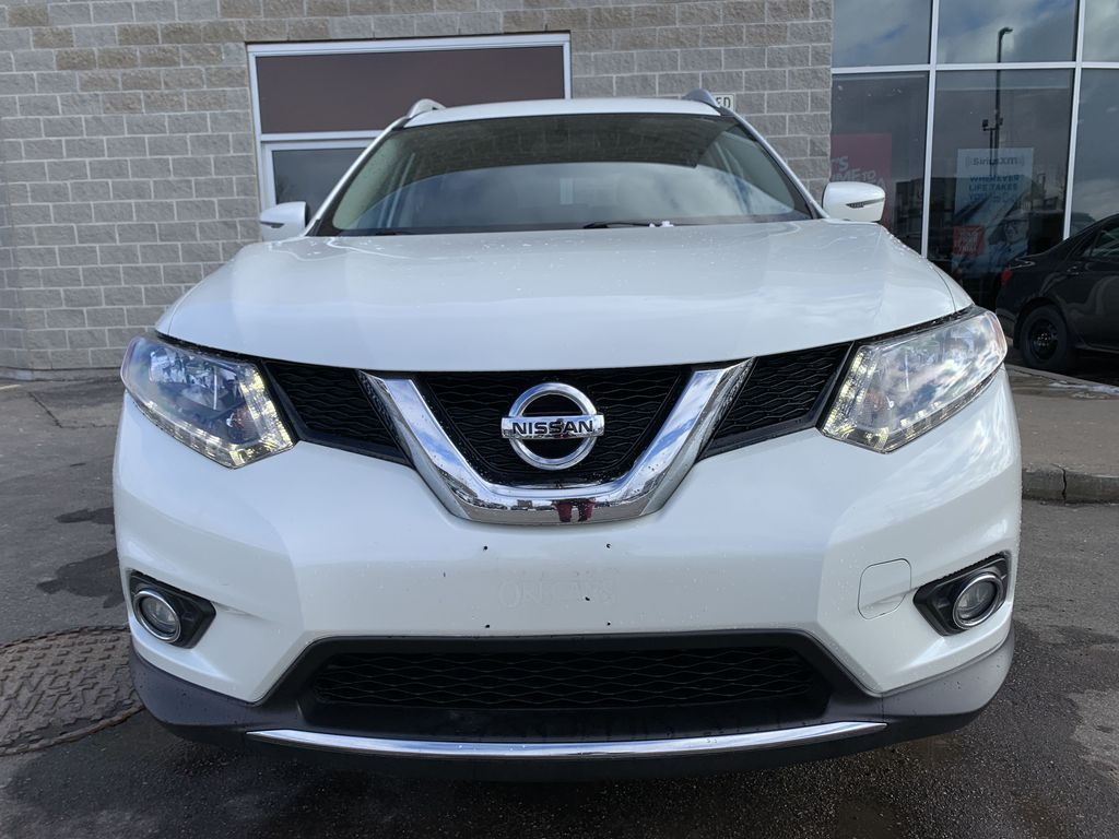 White 2016 Nissan Rogue Left Side Photo in Brampton ON