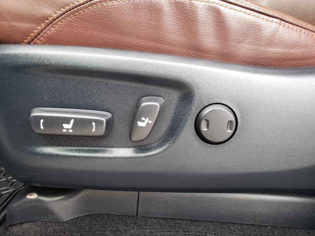 White[Blizzard Pearl] 2018 Toyota 4Runner Right Front Interior Door Panel Photo in Kelowna BC