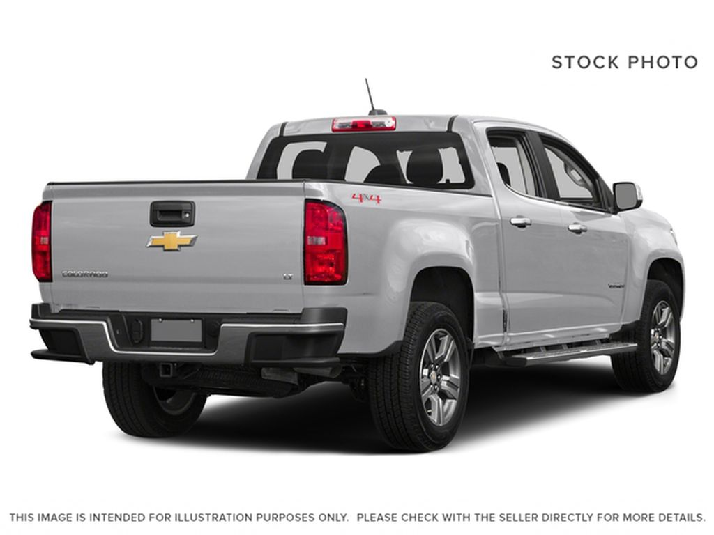 White[Summit White] 2016 Chevrolet Colorado Right Rear Corner Photo in Fort Macleod AB