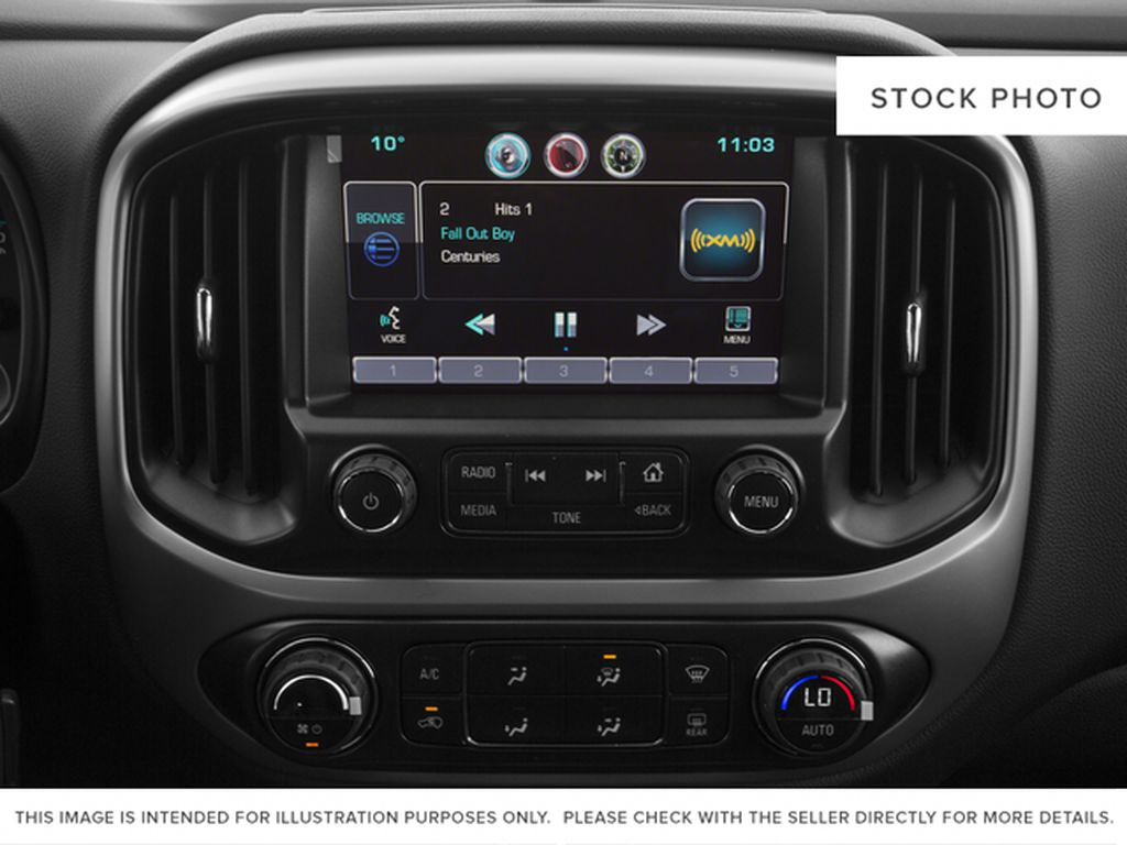 White[Summit White] 2016 Chevrolet Colorado Radio Controls Closeup Photo in Fort Macleod AB