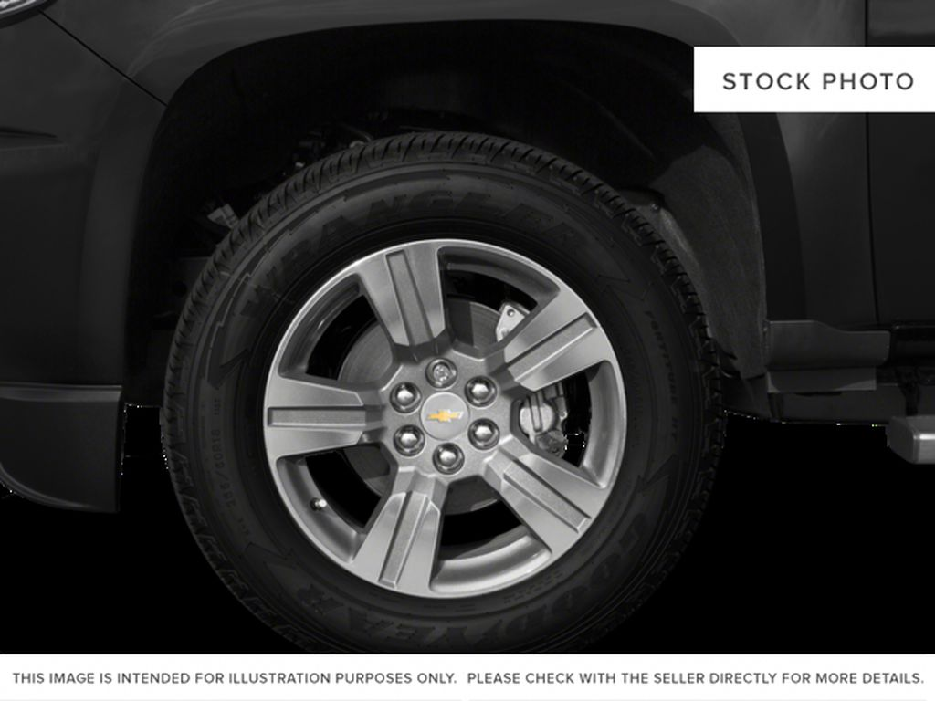 White[Summit White] 2016 Chevrolet Colorado Left Front Rim and Tire Photo in Fort Macleod AB