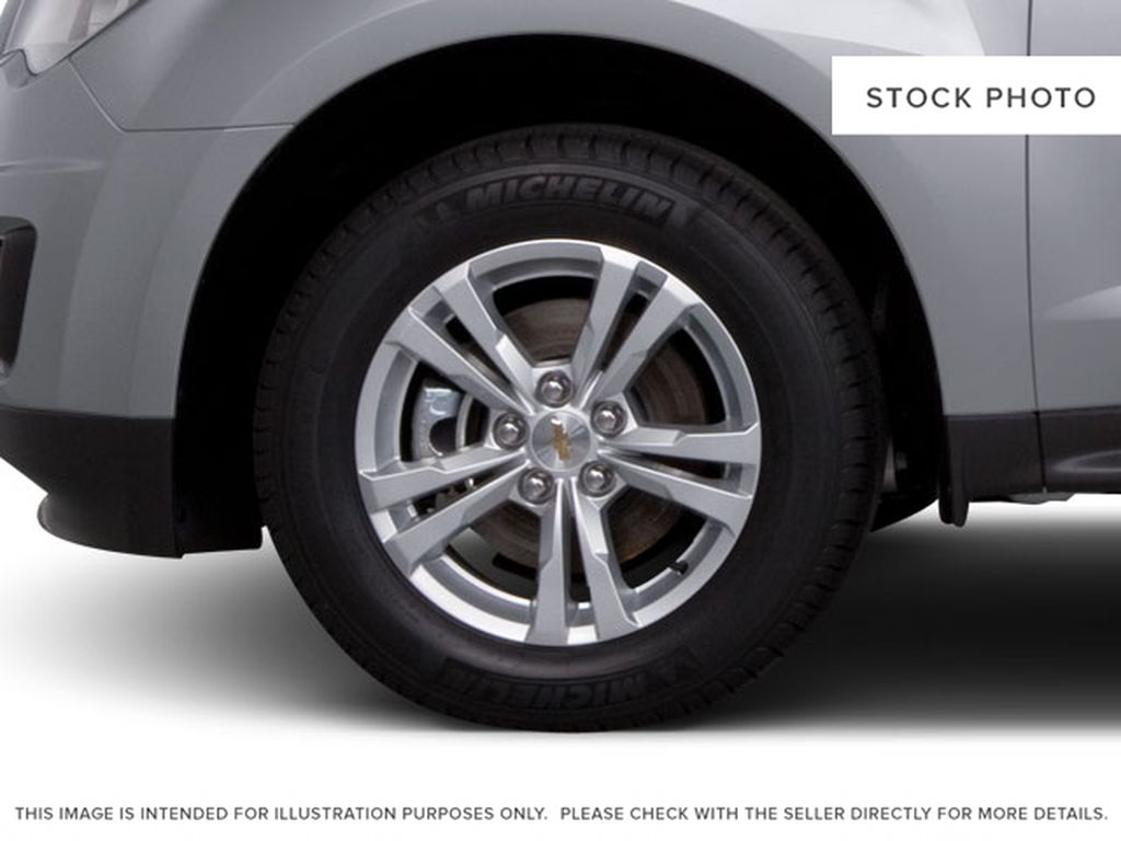 2013 Chevrolet Equinox Left Front Rim and Tire Photo in Fort Macleod AB