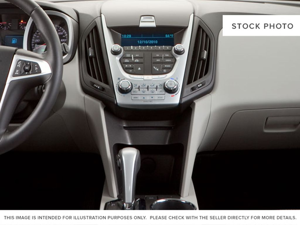 2013 Chevrolet Equinox Center Console Photo in Fort Macleod AB