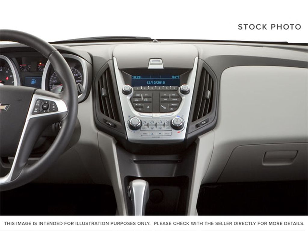 2013 Chevrolet Equinox Central Dash Options Photo in Fort Macleod AB