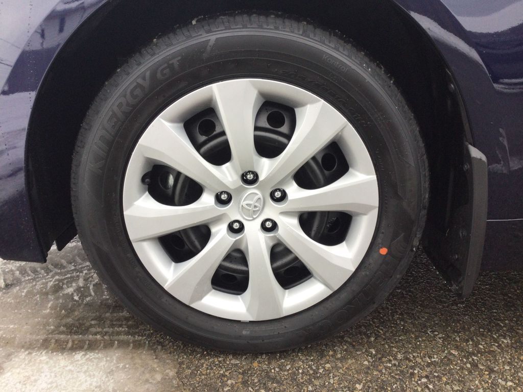 Blue[Blueprint] 2021 Toyota Corolla Left Front Rim and Tire Photo in Brockville ON