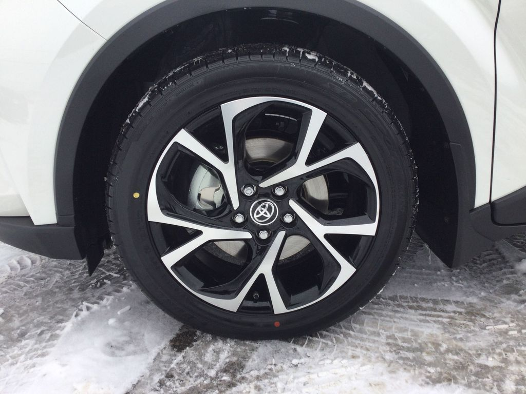 Black[Black Sand Pearl] 2021 Toyota C-HR Left Front Rim and Tire Photo in Brockville ON