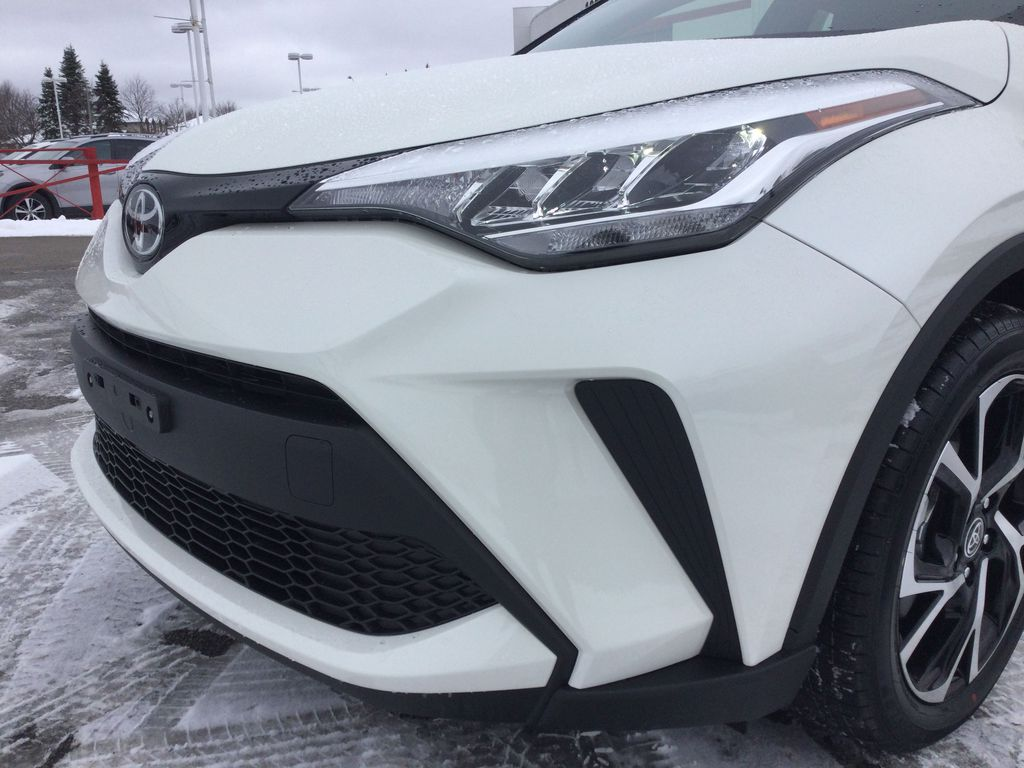 Black[Black Sand Pearl] 2021 Toyota C-HR Left Front Head Light / Bumper and Grill in Brockville ON