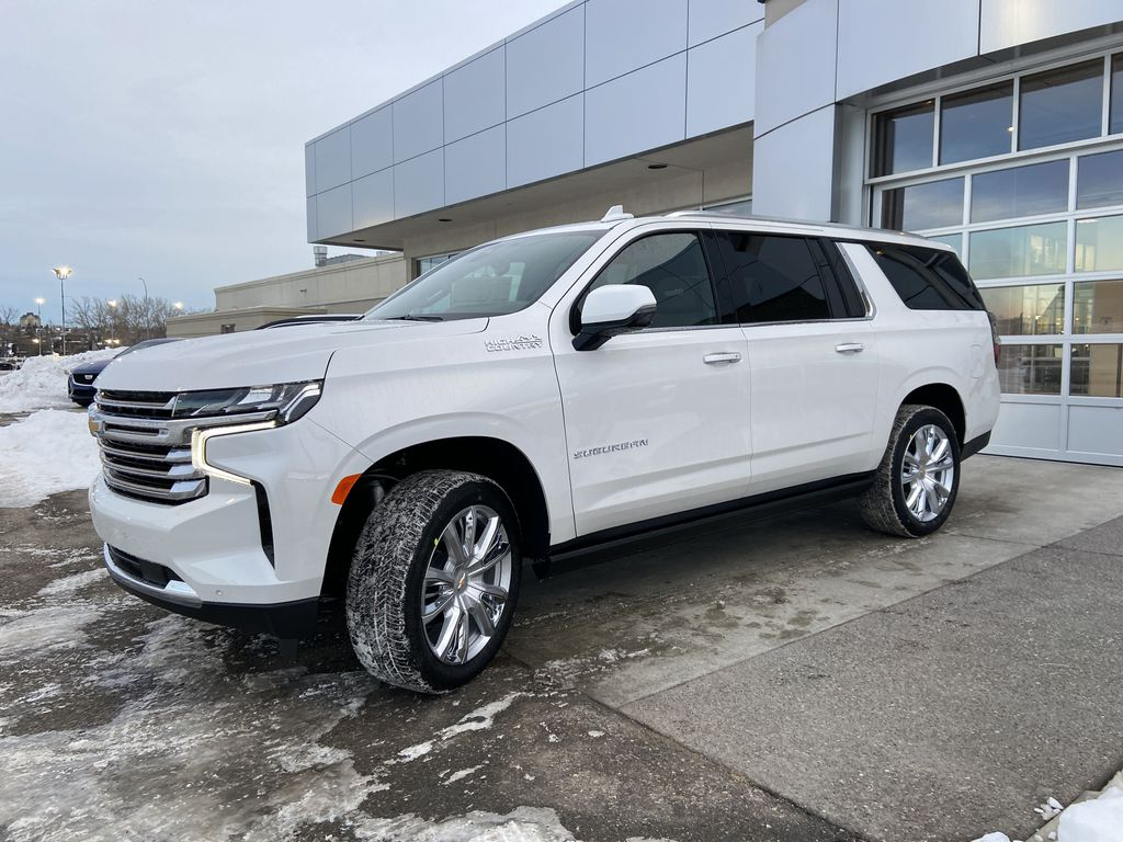 White[Iridescent Pearl Tricoat] 2021 Chevrolet Suburban High Country Left Front Corner Photo in Calgary AB