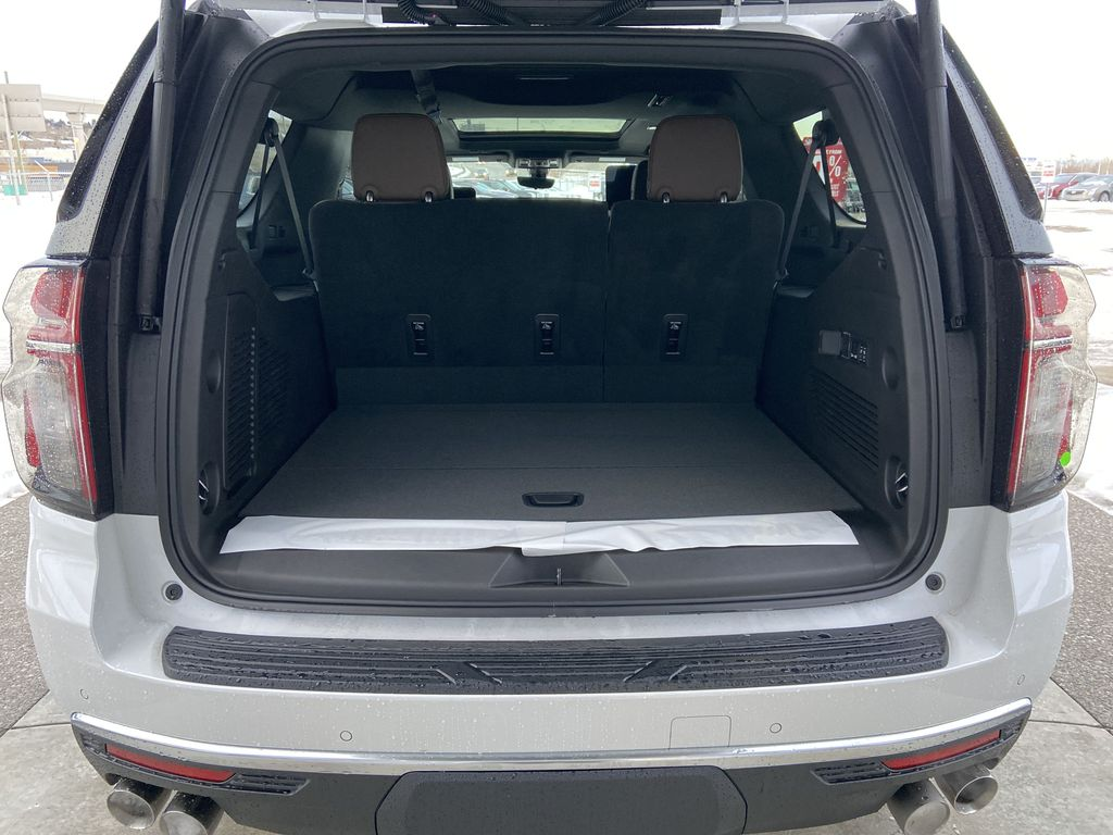 White[Iridescent Pearl Tricoat] 2021 Chevrolet Suburban High Country Trunk / Cargo Area Photo in Calgary AB
